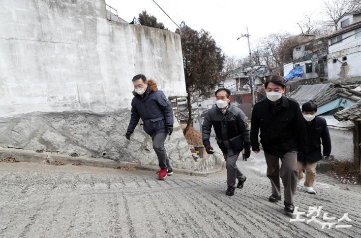 Ahn Cheol-so ، به دنبال مسکن اضطراری برای توسعه شهری است